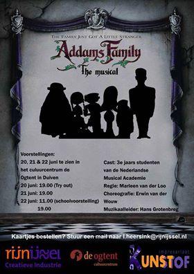Duivense Antoinnette Germeraad in de musical the Addams family.
