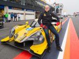Dennis van Boggelen uit Duiven racet met 250 km/u over het circuit van Zandvoort