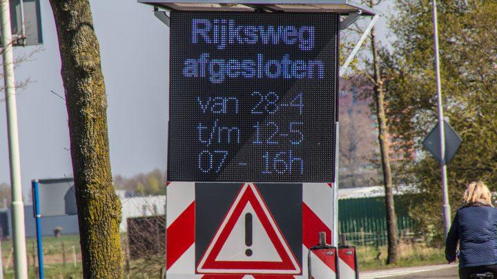 Groot onderhoud aan het fietspad langs de Rijksweg