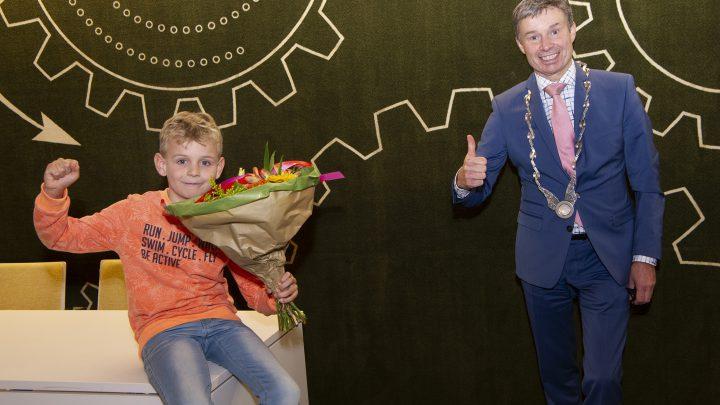 De eerste kinderburgemeester in de gemeente Duiven is gekozen!