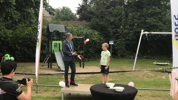 Speeltuin aan de Kampstraat in Groessen geopend